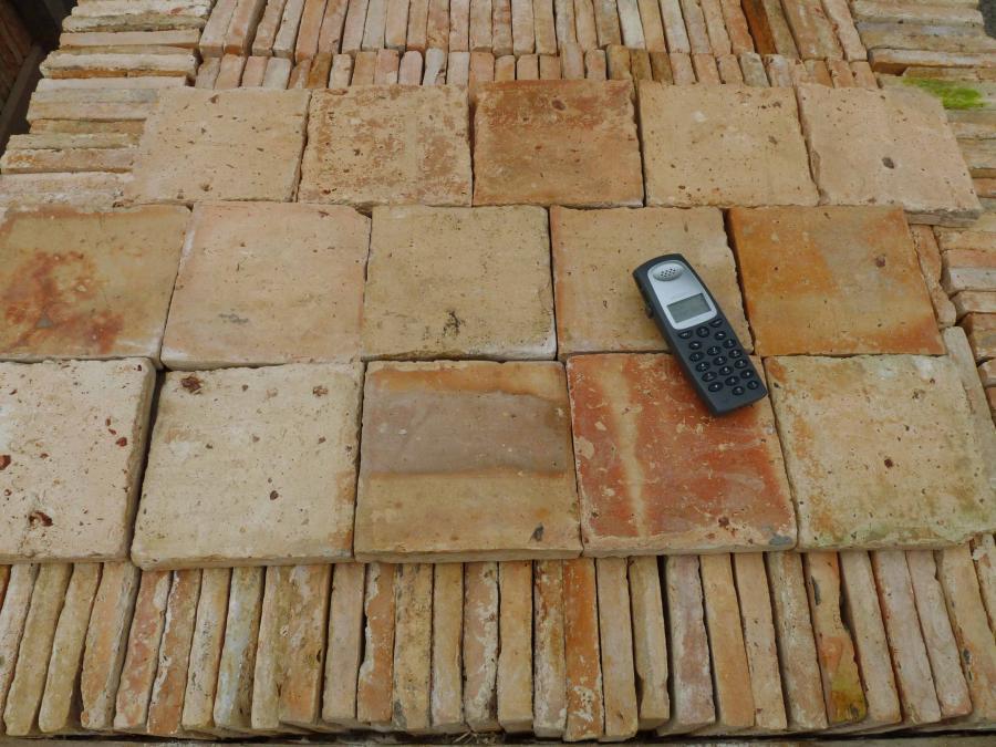 Carrelage ancien en terre cuite 16x16cm for Carrelage ancien terre cuite