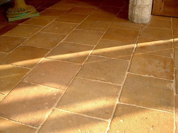 Carrelage ancien en terre-cuite 21x21cm