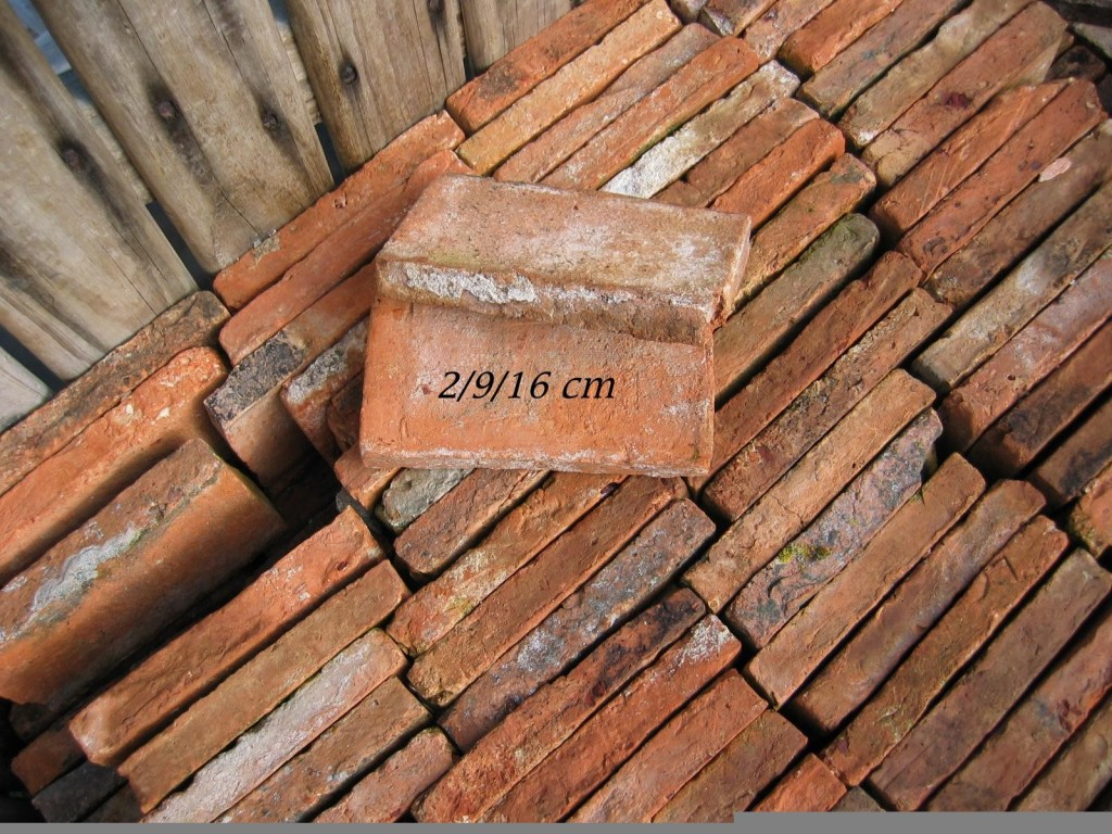 briques en terre cuite anciennes rose orang bca. Black Bedroom Furniture Sets. Home Design Ideas