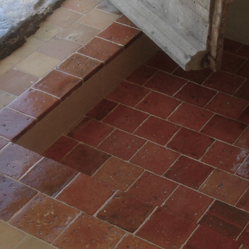 Carrelage ancien en terre cuite rouge for Carrelage ancien terre cuite