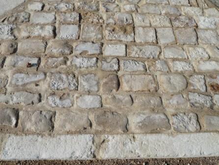 pav s en pierre calcaire de r cup ration bca mat riaux anciens. Black Bedroom Furniture Sets. Home Design Ideas