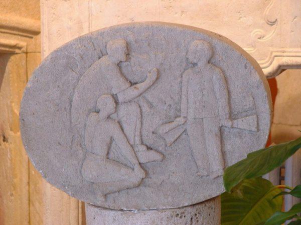 Médaillon ancien en pierre