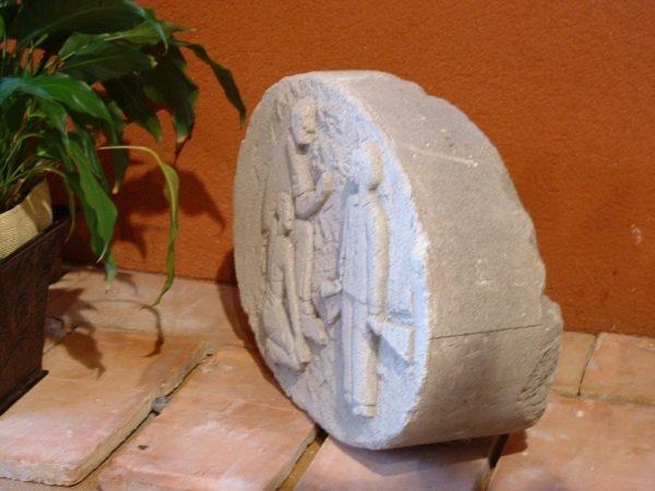 medaillon pierre calcaire