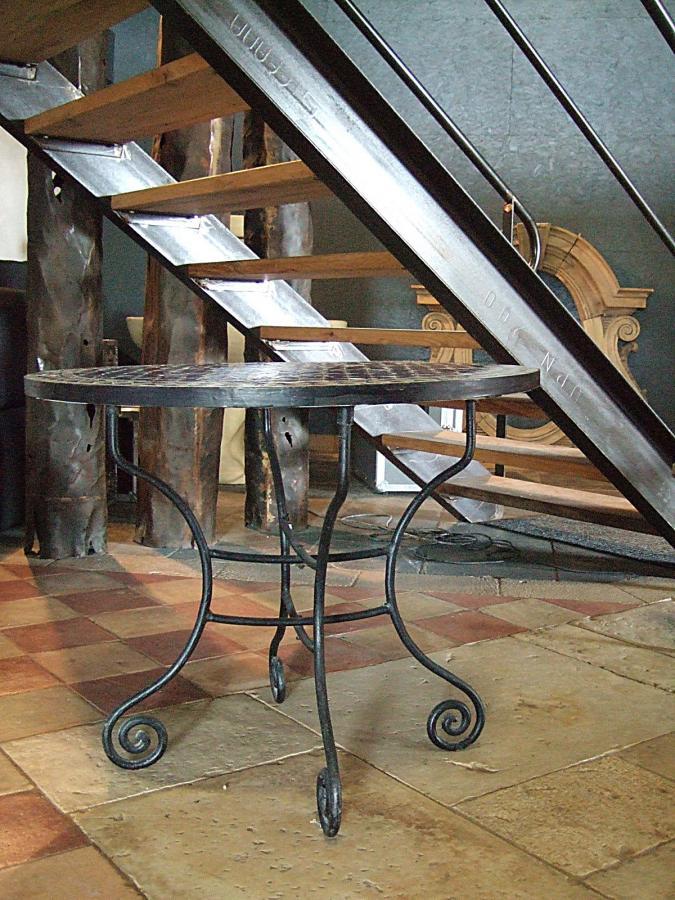 Table ronde en fer forg et mosa que type marocain bca mat riaux - Table ronde bois et fer forge ...