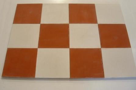 Carrelage vieilli en ciment damier rouge blanc bca for Carrelage vieilli