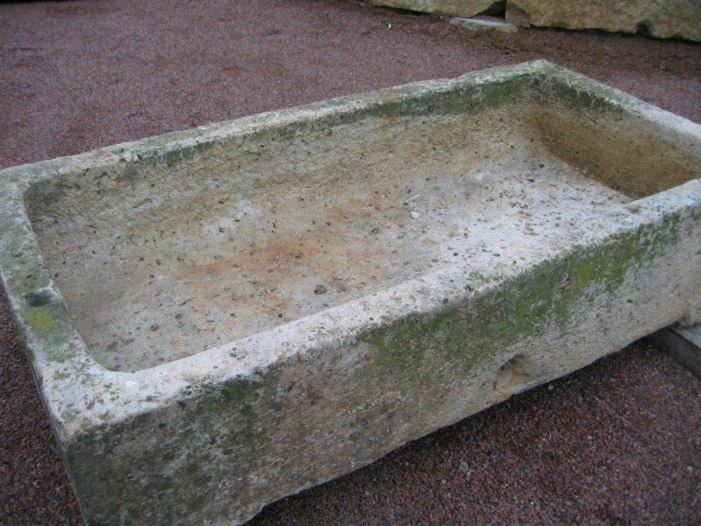 ancien bac en pierre calcaire bca mat riaux anciens. Black Bedroom Furniture Sets. Home Design Ideas