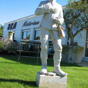 Statue en terre cuite de Leon Moynet