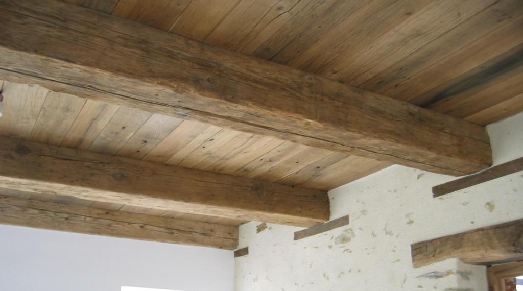 Plafond vieux bois vieux ch ne bca mat riaux anciens for Peindre un plafond avec des poutres