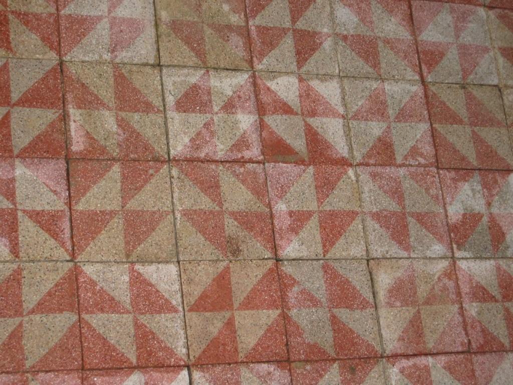 carrelage ancien en ciment rose et gris 20x20cm bca mat riaux. Black Bedroom Furniture Sets. Home Design Ideas