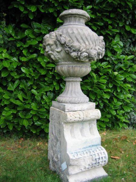 vase terre cuite socle pierre calcaire