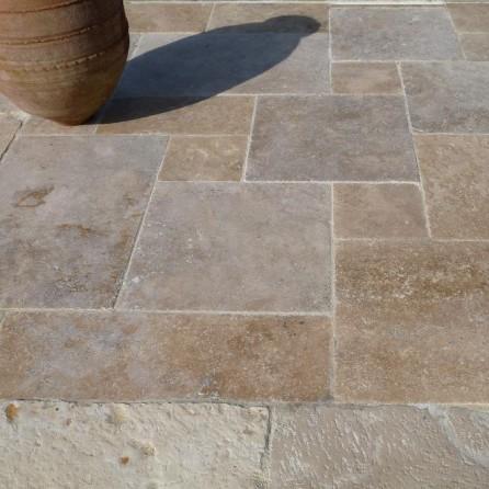 Dallage aurillac en pierre calcaire naturelle bca for Carrelage en pierre calcaire