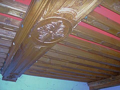 Plafond ancien bois et poutre apparente