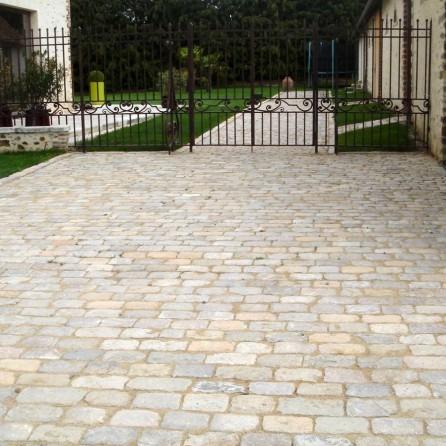Pav s calcaire sci s for Joint pierre exterieur terrasse