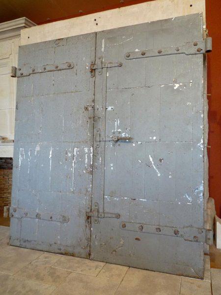 Porte ancienne en vieux bois