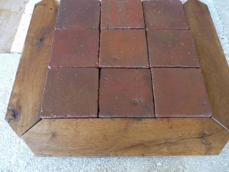 Carrelage ancien en terre cuite et navettes en vieux ch ne for Carrelage exterieur rouge brique