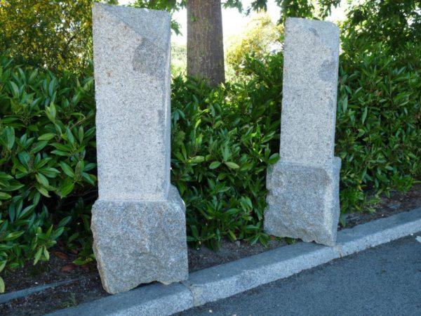 borne granit biseau