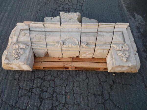 Linteau en pierre calcaire