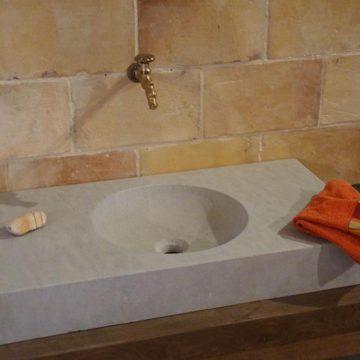 vasque pierre naturelle calcaire
