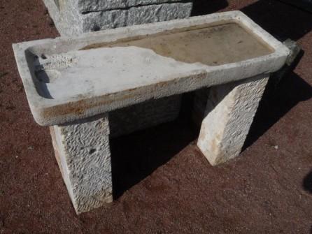 Evier ancien en pierre calcaire pierre plate sur 2 jambages - Evier en pierre ...