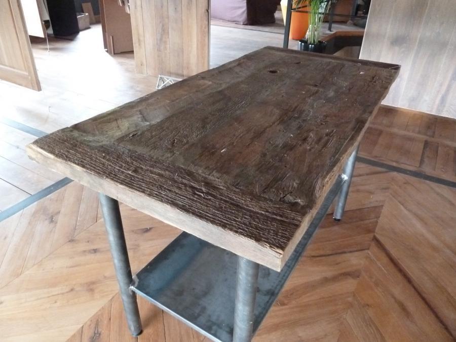 table style industriel plateau vieux chene pied metal. Black Bedroom Furniture Sets. Home Design Ideas