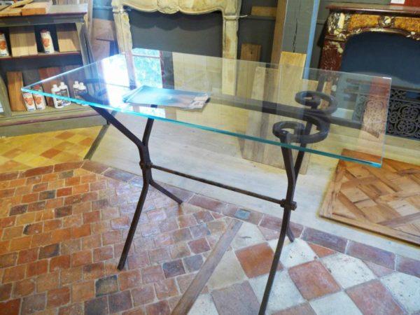 Table haute en fer forgé et plateau verre