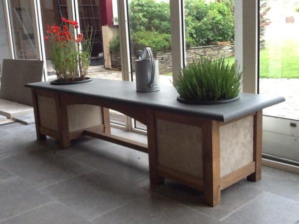 Jardinière en pierre et bois