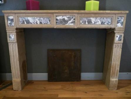 chemin e ancienne en pierre louis xvi bca mat riaux anciens. Black Bedroom Furniture Sets. Home Design Ideas