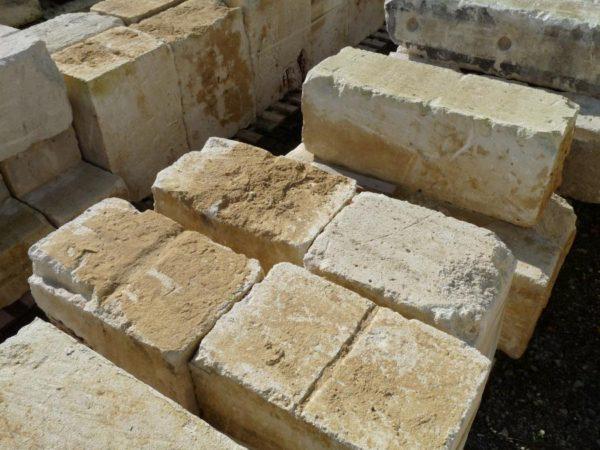 bloc de pierre ancien