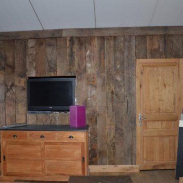 Bardage intérieur en vieux bois