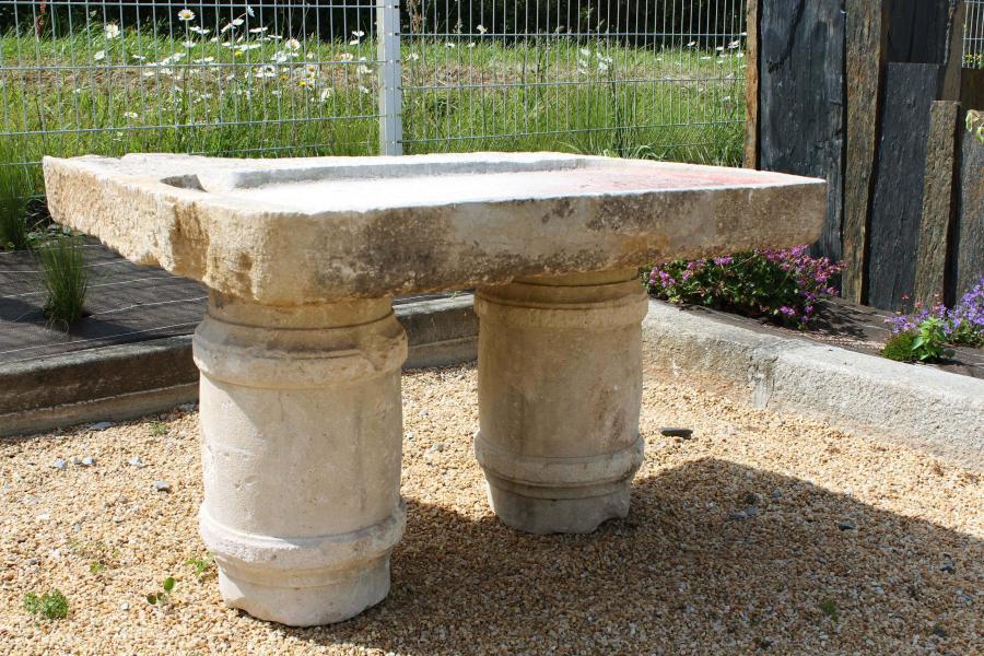 vier ancien en pierre pierre ancienne bca mat riaux. Black Bedroom Furniture Sets. Home Design Ideas