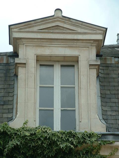 Lucarne ancienne en pierre calcaire xixe si cle bca for Fenetre lucarne