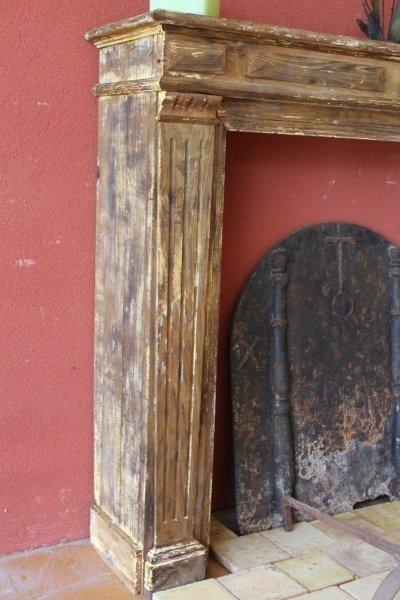 cheminée ancienne en bois de France
