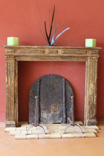 chemin e ancienne en bois style louis xvi bca mat riaux anciens. Black Bedroom Furniture Sets. Home Design Ideas