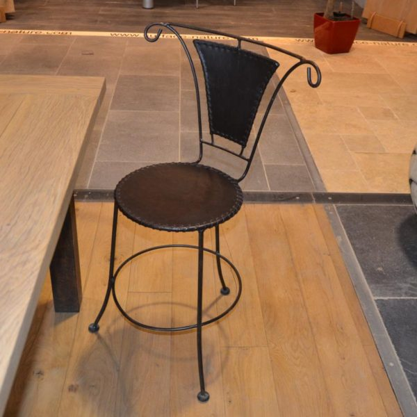 Chaise fer forge et cuir