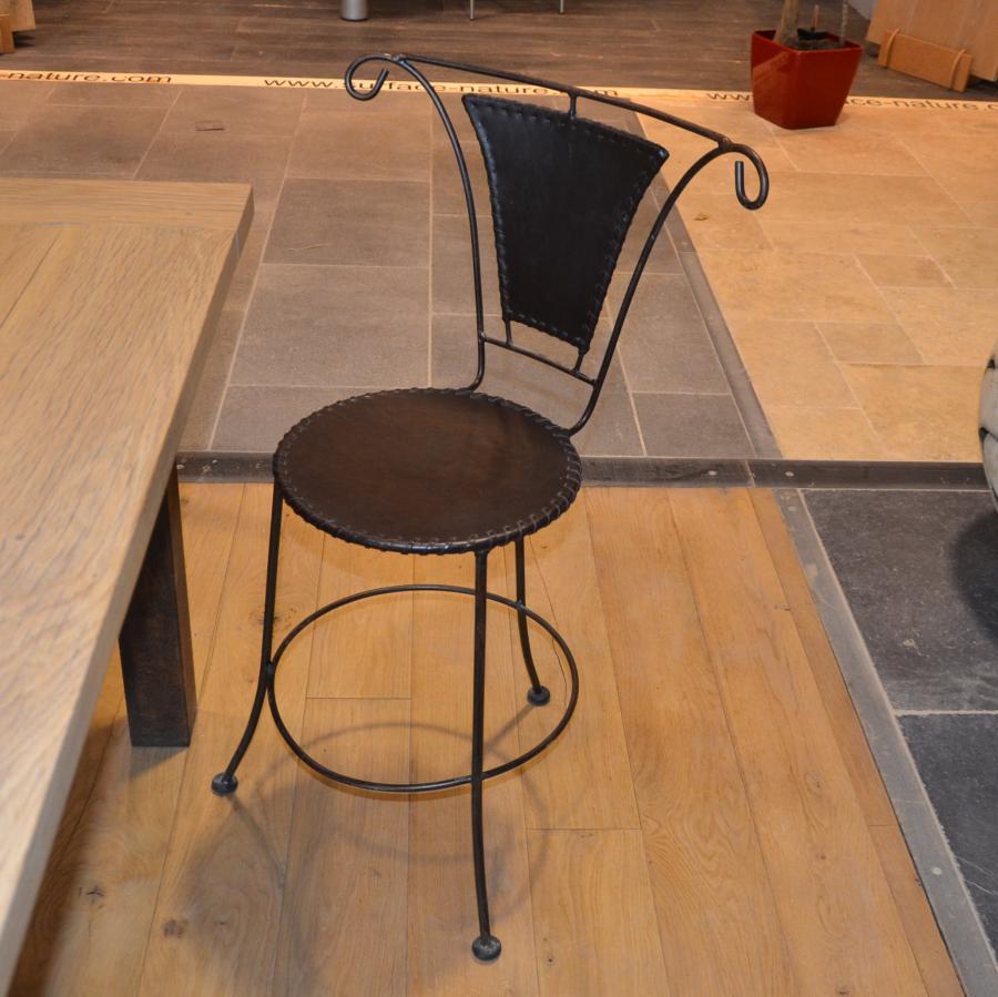 chaise en fer forg et cuir mobilier m tal r dition bca mat riaux. Black Bedroom Furniture Sets. Home Design Ideas
