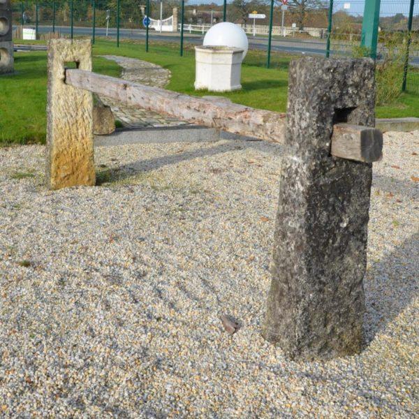 Barrière en pierre ancienne