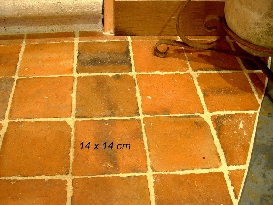 Carrelage ancien en terre cuite 14x14cm for Carrelage ancien