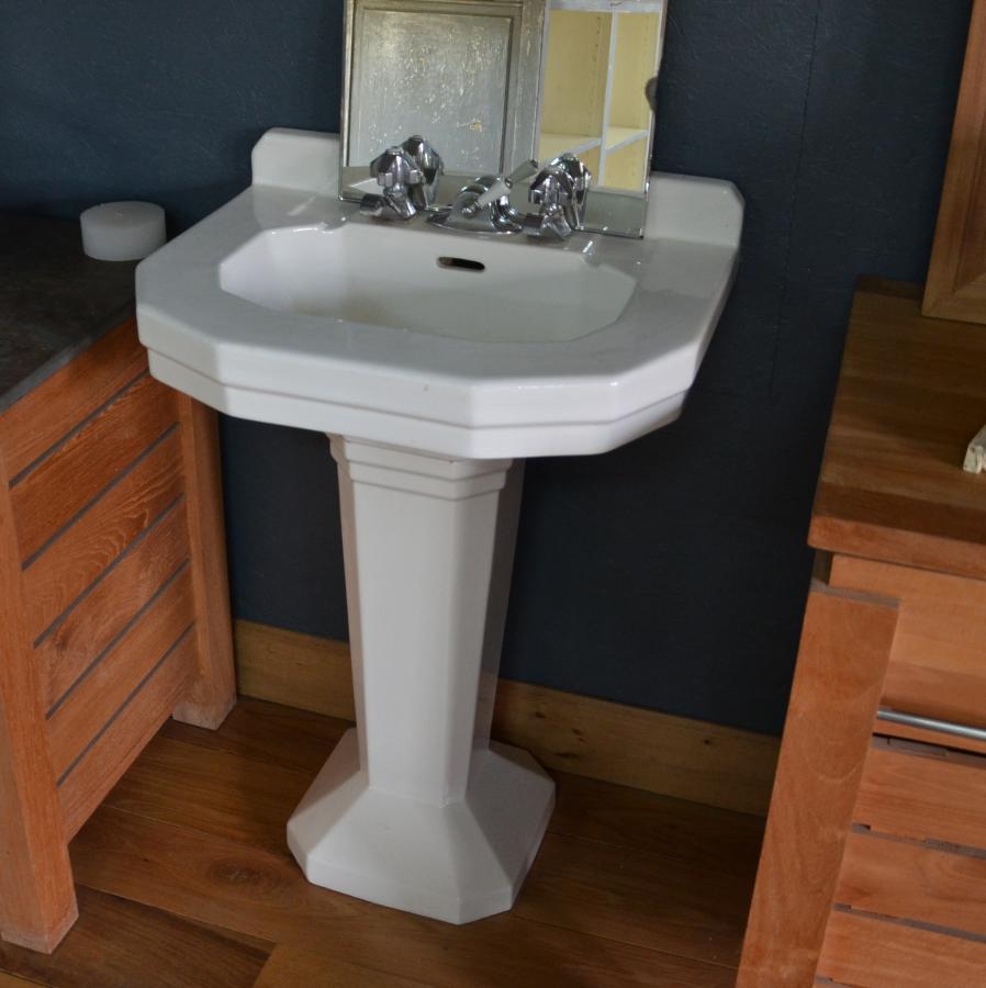 lavabo ancien sur pied couleur blanc bca mat riaux anciens. Black Bedroom Furniture Sets. Home Design Ideas