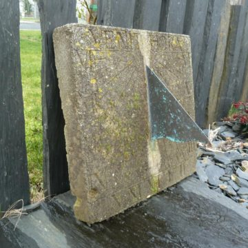 ancien Cadran solaire en pierre