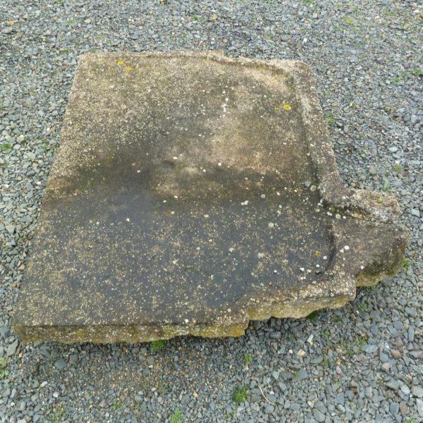 Évier en pierre ancien