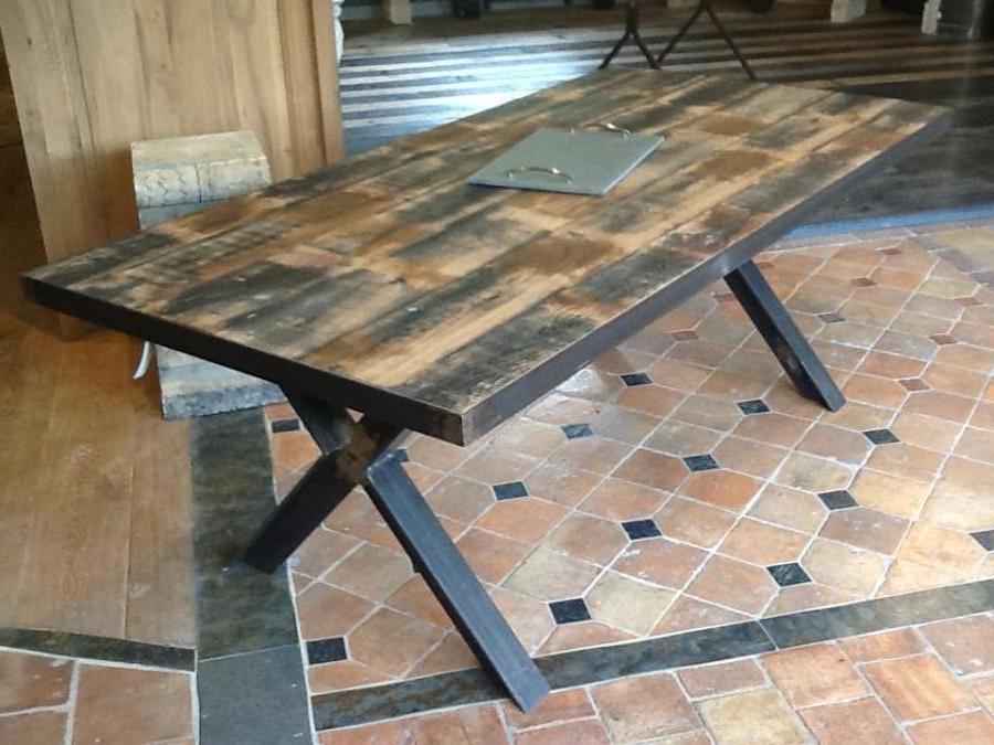 Table en chene antique pietement fer for Table bois et fer