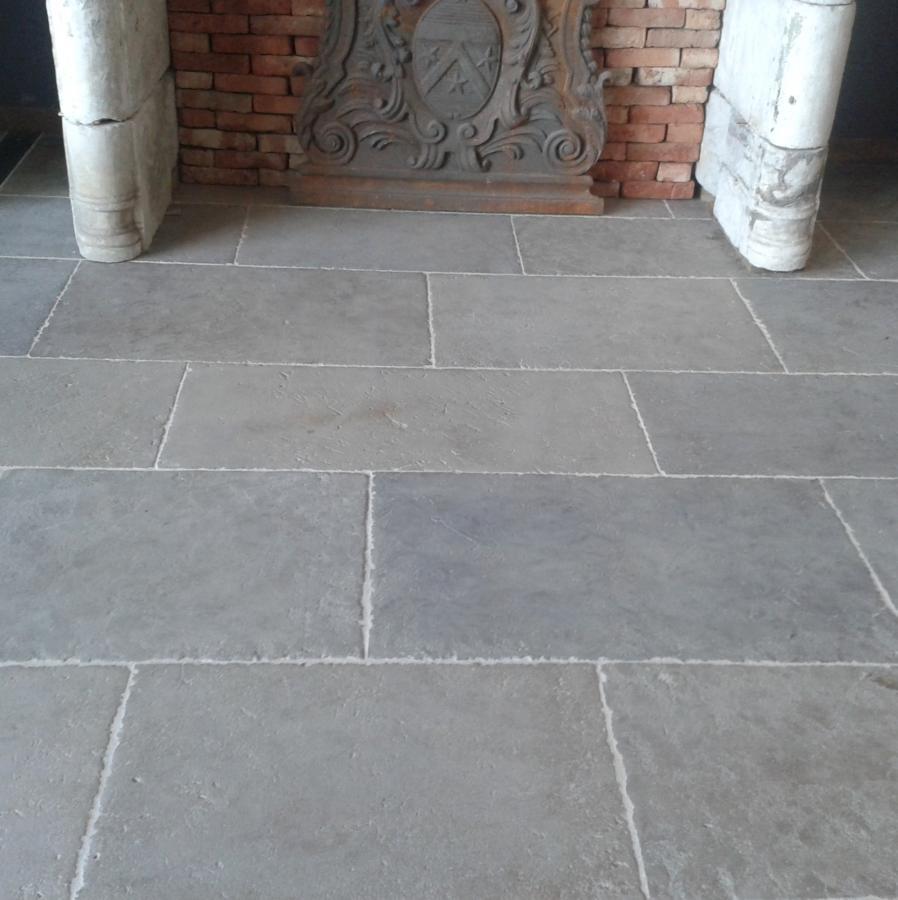 dalles normandes en pierre calcaire bca mat riaux anciens. Black Bedroom Furniture Sets. Home Design Ideas