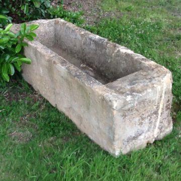Lavoir ancien en pierre