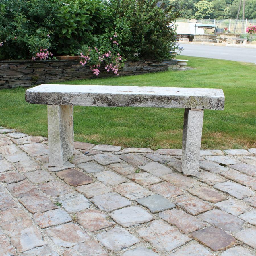 Banc en pierre de r cup ration pierre calcaire bca for Banc en pierre pour jardin