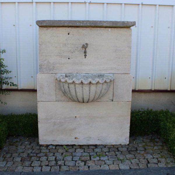 Fontaine pierre ancienne de france