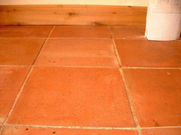 Tomette en terre cuite 33x33 cm