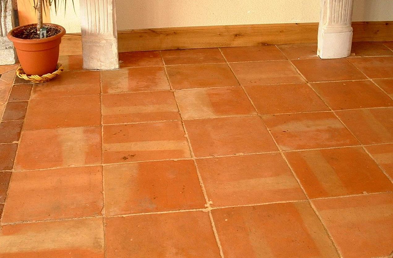 Tomette ancienne en terre cuite format 33x33 cm bca for Carrelage sol couleur orange