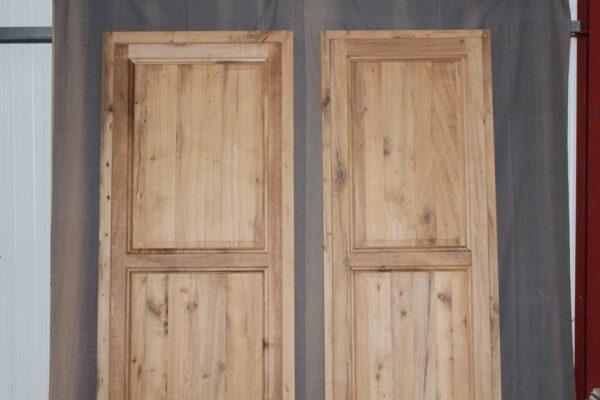 Porte ancienne en vieux chêne