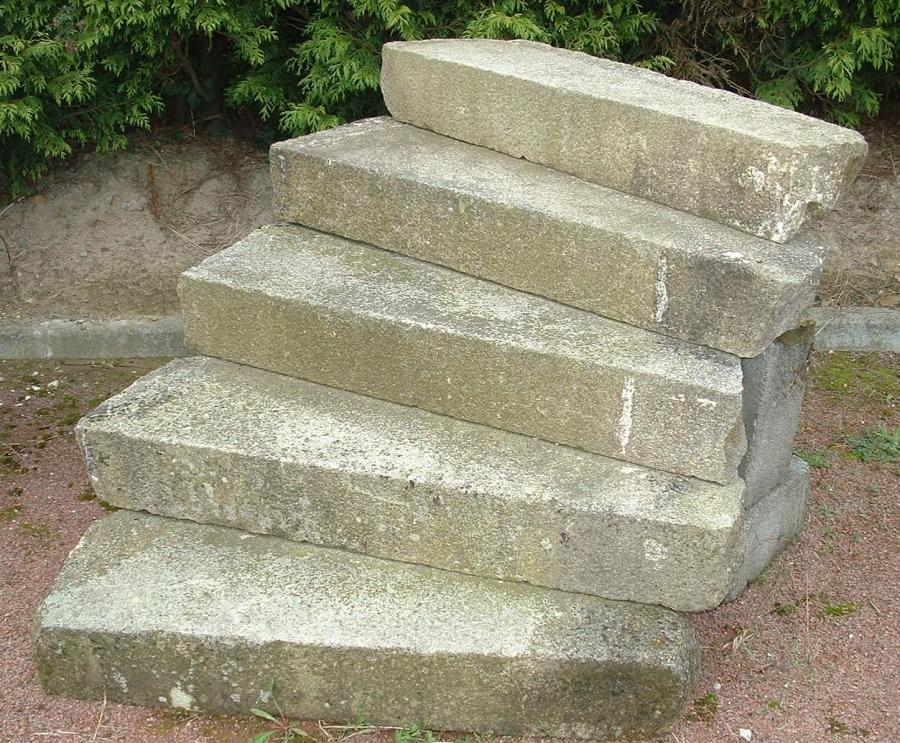 Escalier ext rieur ancien en granit 11 marches bca for Escalier exterieur granit