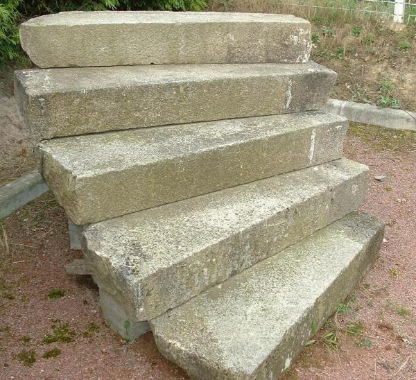 escalier ancien en granit